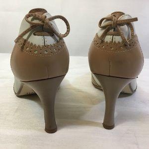 Franco Sarto Tan White Wing Tip Stiletto Heels
